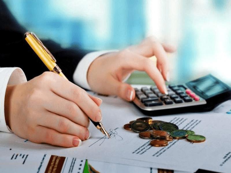 Tính lãi trên số dư nợ giảm dần là cách tính phổ biến trong cho vay tiêu dùng của các ngân hàng thương mại.