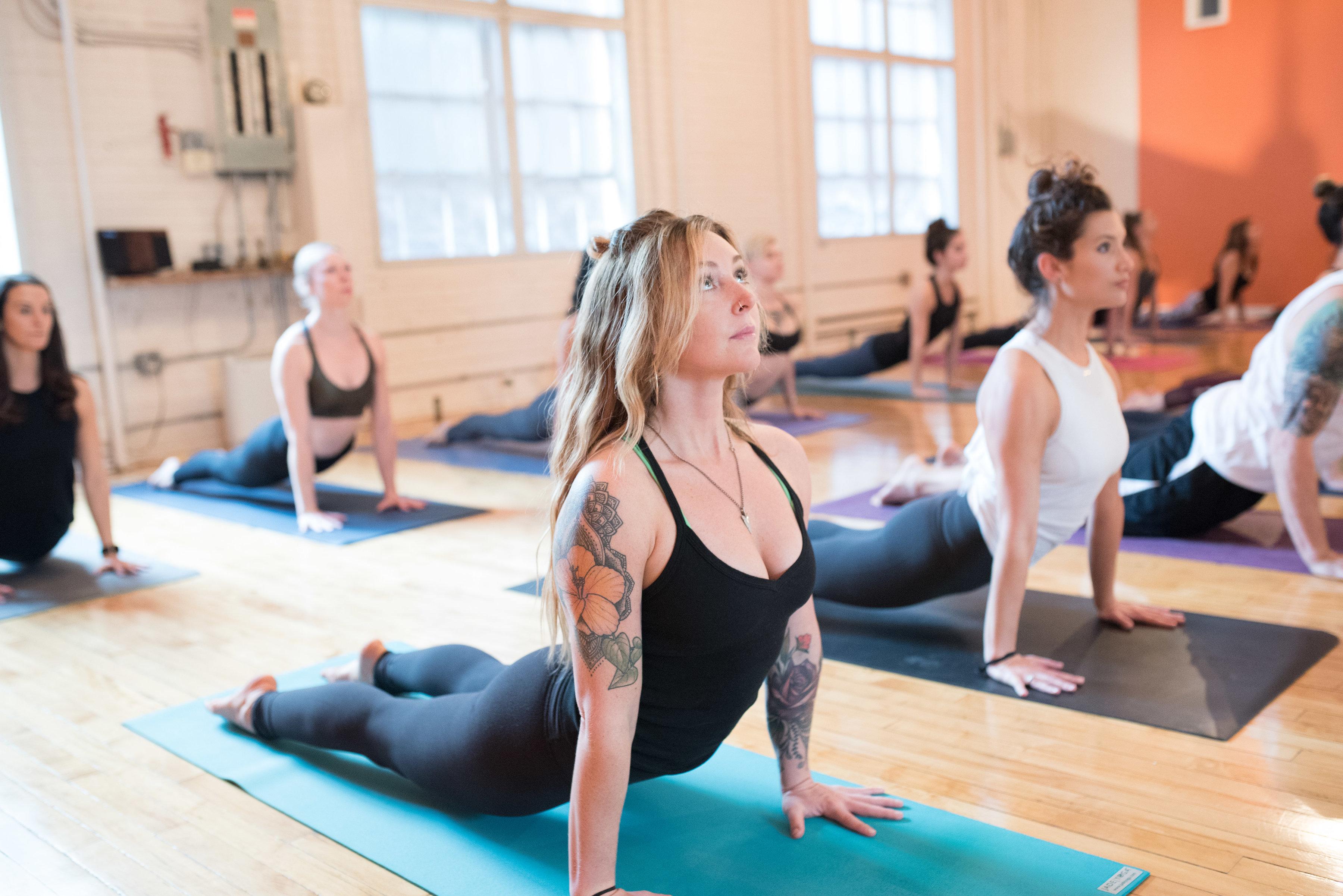 Cách làm giàu từ buôn bán kinh doanh phòng tập Yoga