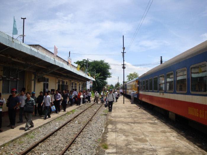 Đến Bình Thuận bằng máy bay, tàu hỏa hay xe khách đều được