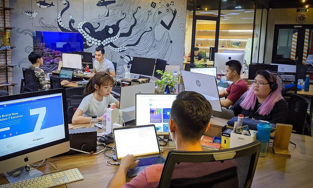 Lương nhân viên IT kinh nghiệm bằng sếp ngành khác - VnExpress Kinh doanh