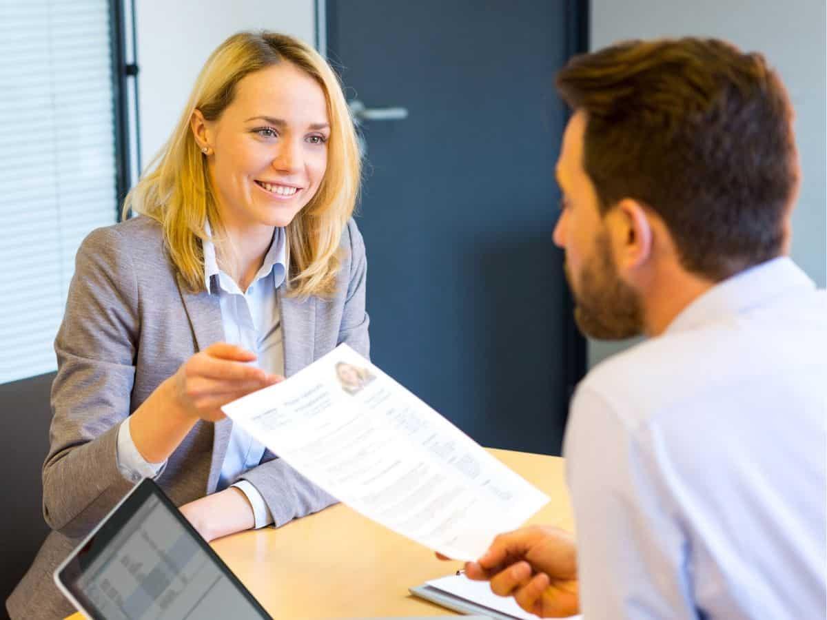 Chuyện tuyển dụng: Tôi đi tìm việc chứ không xin việc